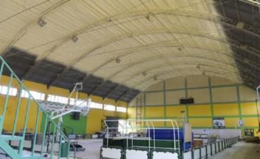 Se renueva el techo del Polideportivo Posta del Retamo