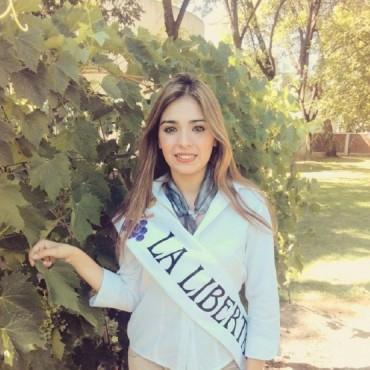 Rivadavia: Julieta Arias es la Reina de la Vendimia 2017 del Club La Libertad