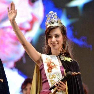 Georgina Elevoff  es la nueva Reina de Santa Rosa