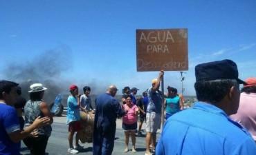 Desaguadero: Vecinos reclamaron por falta de agua