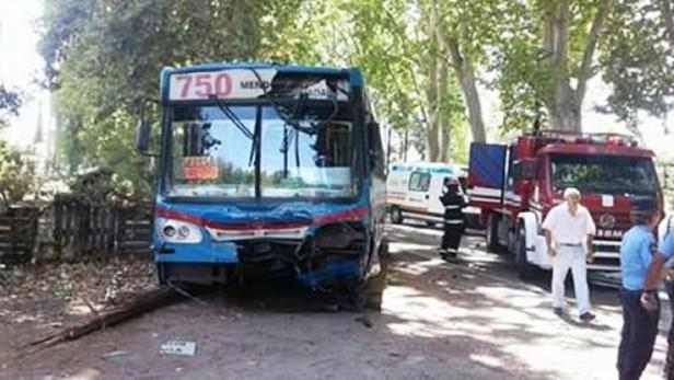 Accidente en Junín: 2 muertos y 6 heridos