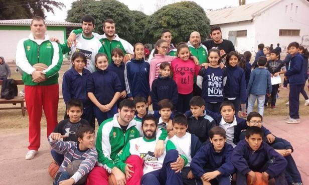 Se impartió clínica de básquet en Las Catitas