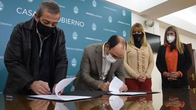 La Municipalidad de Junín firmó un convenio para dar terminalidad educativa a sus empleados