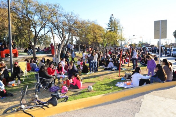 Rivadavia: Festejos del 'Día del Amigo' en el Paseo del Lago