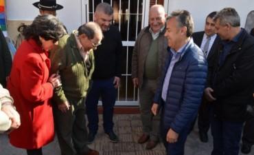 Cornejo homenajeó al maestro del folclore, Ángel Giménez