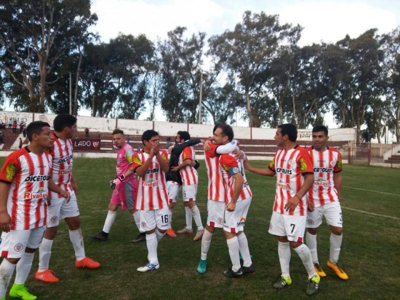 Federal B: El Albirrojo venció 1 a 0 al Granate con un gol de Domínguez