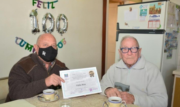 Rivadavia reconoció a Don Félix Ana en su cumpleaños N°100