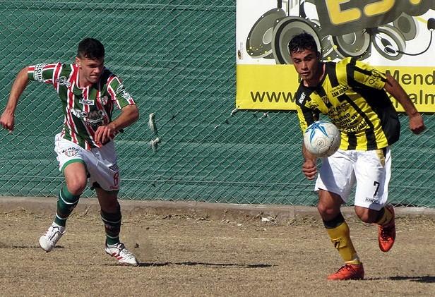 Federal B: Atlético Palmira goleó al Deportivo Guaymallén por 4 a 1