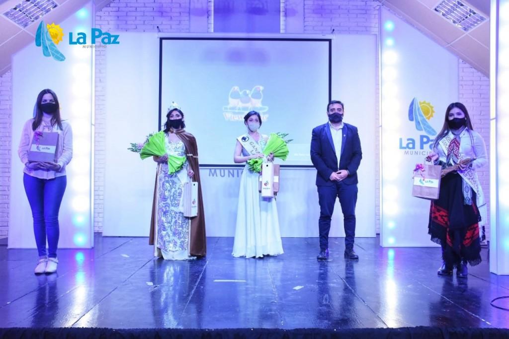 Karina López, es nueva Reina de la Ganadería de Zonas Áridas de La Paz