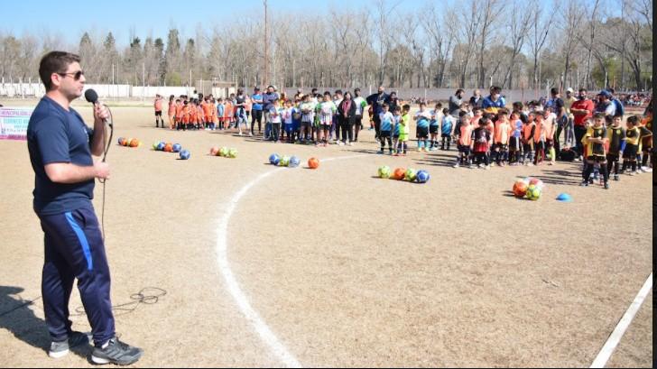 Se puso en marcha el torneo municipal de fútbol infantil en Rivadavia