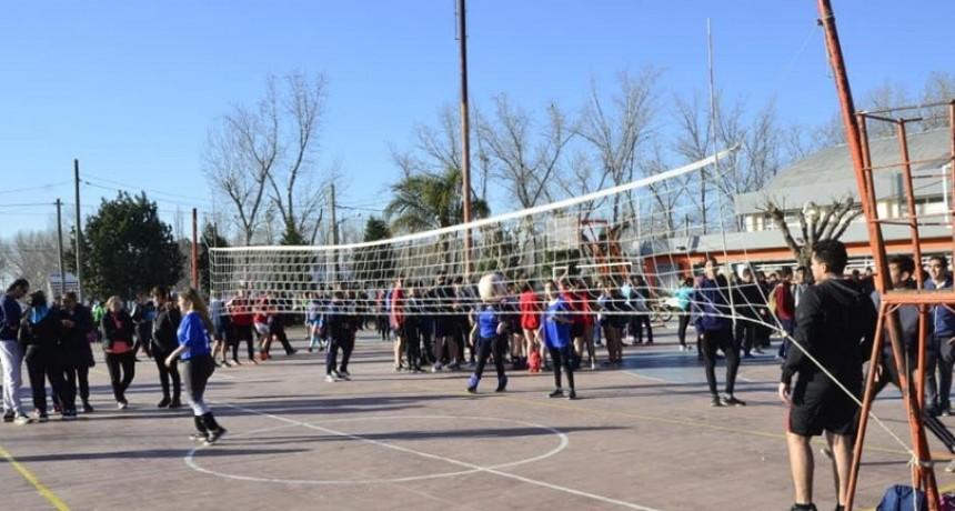 """Competencia """"Deporte escolar"""" en Rivadavia"""
