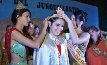 El Junquillerito coronó a su nueva soberana