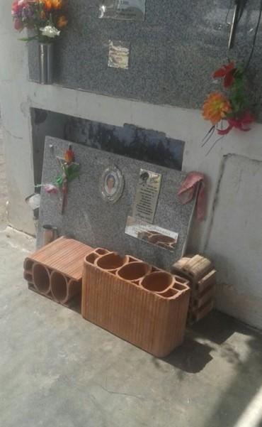 Roban placas y provocan destrozos en el cementerio de La Dormida