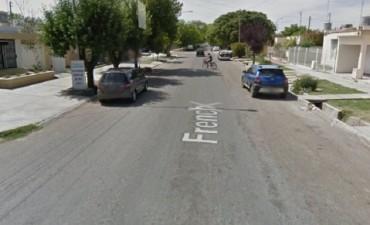 San Martín: Una mujer fue asesinada mientras esperaba a su hija
