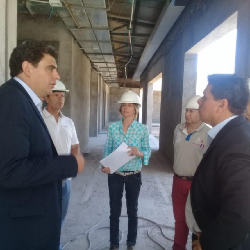 Diego Guzman y el Ministro Kerchner recorrieron obras en La Paz